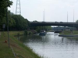 Rive gauche, la vieille écluse de Pontoise...