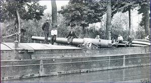 Peniche porte-canon sur l'Oise 1917